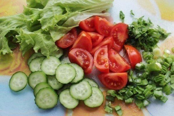 salat-iz-kuricy-i-svezhix-ovoshhej2